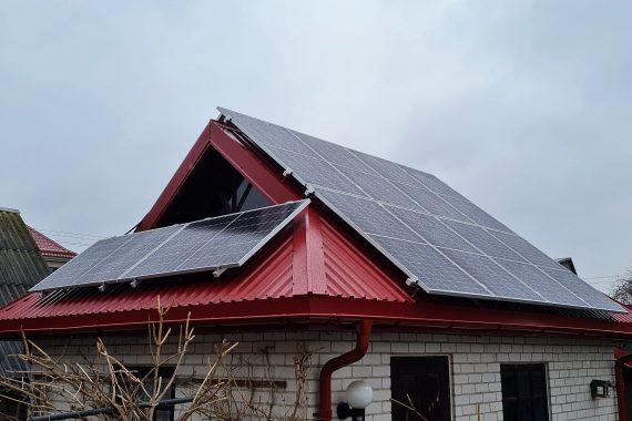 Saulės elektrinė-ant šlaitinio stogo Kauno raj.