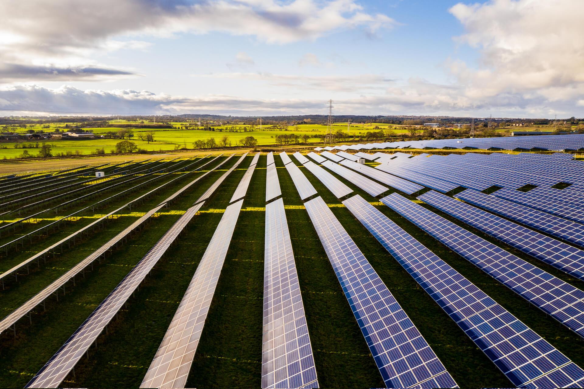 Volinta-solar-constructing-cover